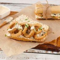 Baguette con Aros de Pollo y Alioli estilo Español